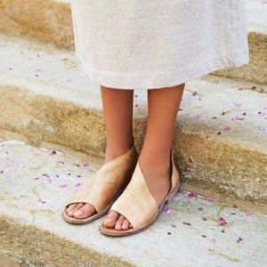 Free People Mont Blanc Sandal- Natural Leather 39